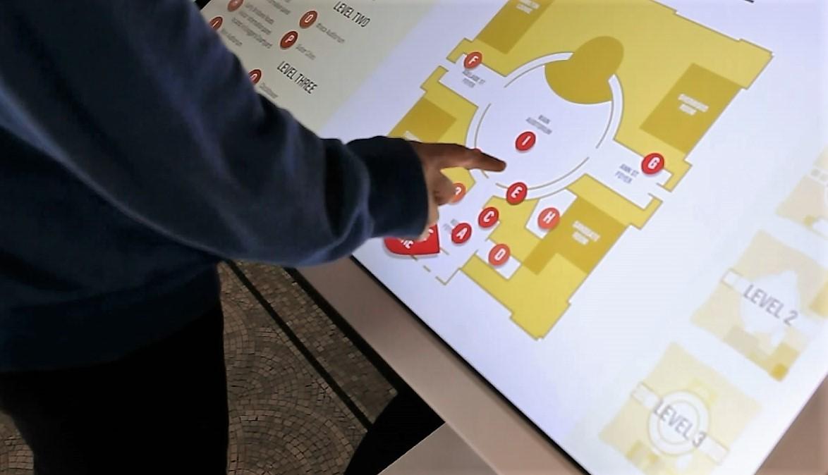 cityhall_touchscreen3